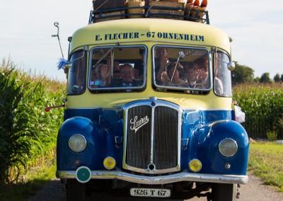 Sortie en vieux bus de collection